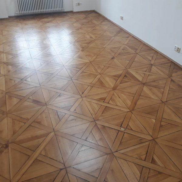 Renovace masivní kazetové podlahy Praha