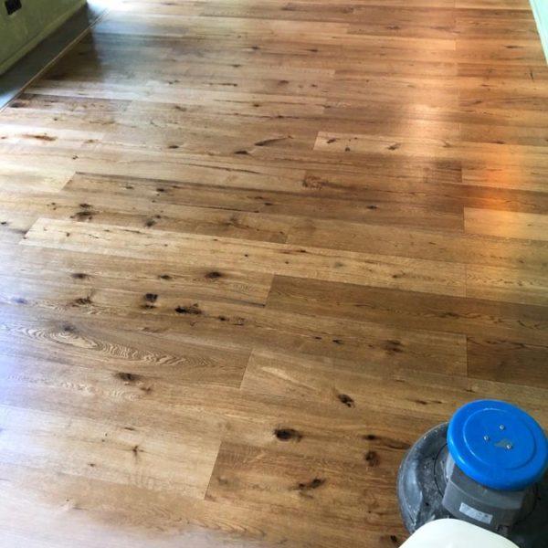 olejovan drevenych podlahy