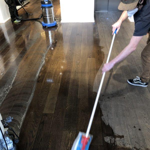 cisteni drevanych podlah v praze